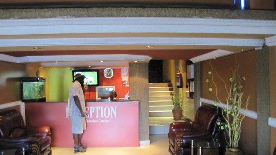 Delta Hotel: Лобби