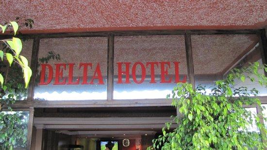 Delta Hotel: У входа