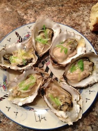 Barnacle Bill's Seafood Market: fresh oysters