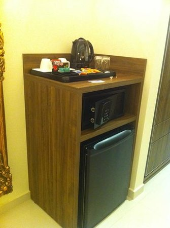 Best Western Premier Majestic: mini bar e cofre