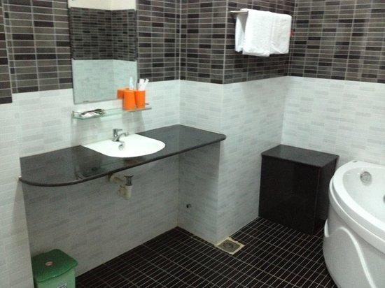 Go Cong, Wietnam: bath room
