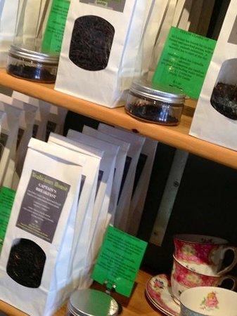 Tealicious House: teas and cups