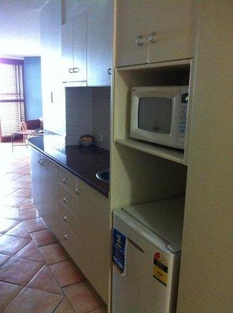 La Promenade: kitchen