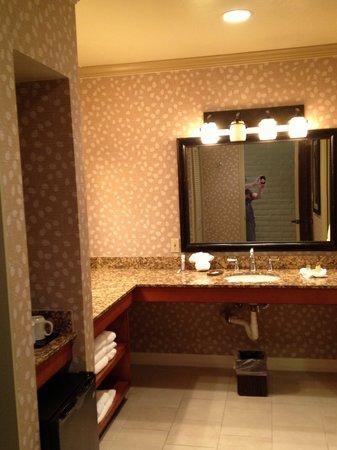Sycuan Golf Resort: Bathroom. Impressive size