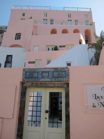 Nefeles Suites Hotel: the hotel
