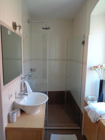 Zephyrus Boutique Accommodation: Bathroom