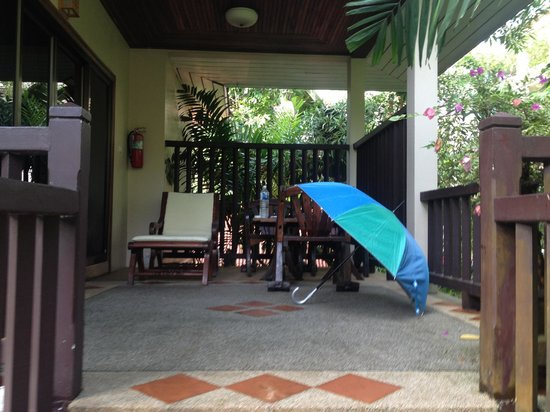 Cha Wan Resort: Verandah/Patio