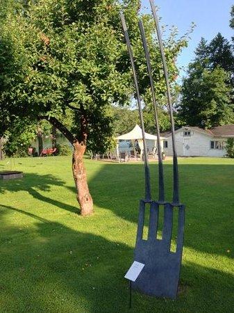 Hotel Residenz am Motzener See: Skulptur im Garten
