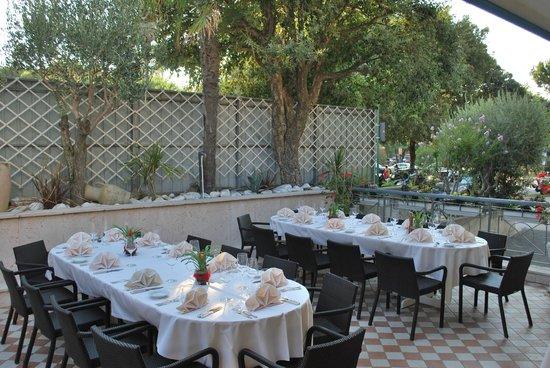 Hotel Miramare: Cena all'aperto