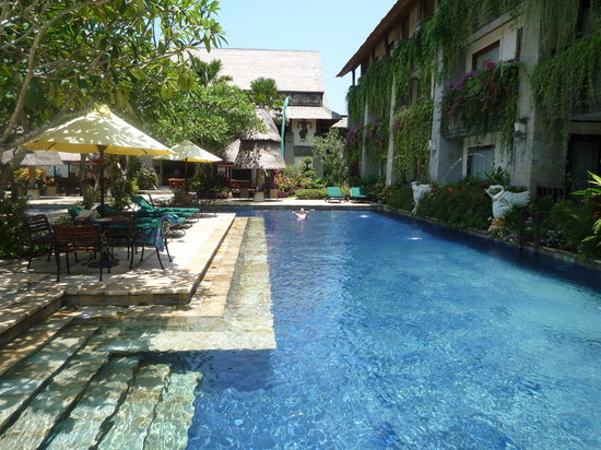 The Grand Bali Nusa Dua: 中庭のプール