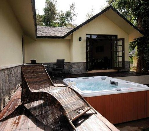 The Windflower Resort and Spa, Coorg: Jacuzzi