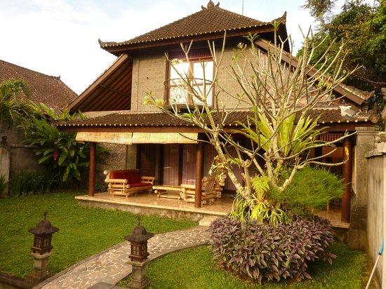 Pariliana, Maison et Table d'Hotes a Bali: Vue d'ensemble de la villa