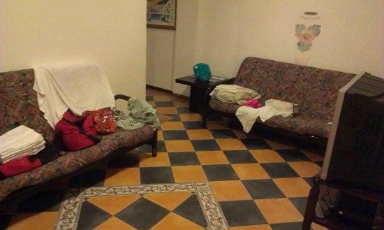 Casa Del Mar Beach Hotel : single bed no sofa beds !!!