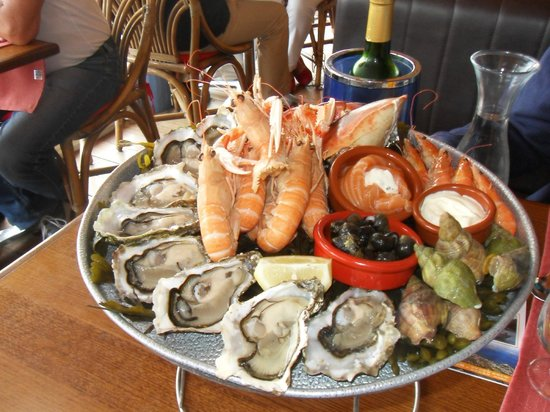 Hotel Les Rochers : plateau fruit de mer: 40 €