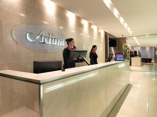 Adina Apartment Hotel Sydney Town Hall: Lobby / Front Desk