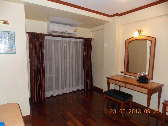Patumwan House: Room