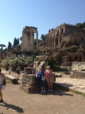 Rome With Jimmy - Day Tour: in the Forum
