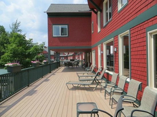 Grand Summit Resort Hotel: back deck, get some sun