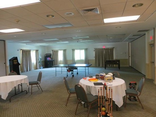 Grand Summit Resort Hotel at Mount Snow : meeting/conference room being used as a game room