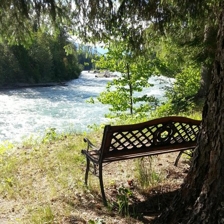 Grizzly Bear Ranch: Place to sit and ponder