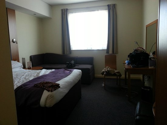Premier Inn Dubai Silicon Oasis Hotel: Rooms