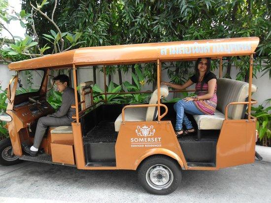 Somerset Lake Point Bangkok : Free Shuttle