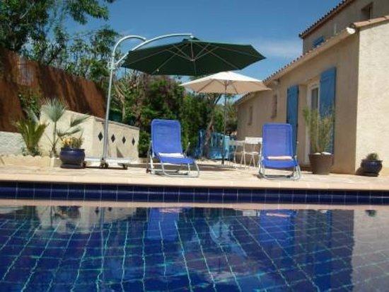 Les Agathéas : La piscine