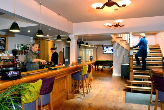Stones Hotel, Bar and Restaurant : Bar/Staircase