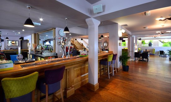 Stones Hotel, Bar and Restaurant : Bar