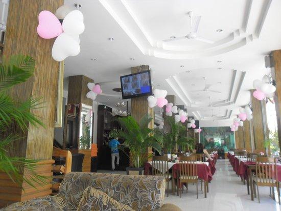 SM Resort: reception