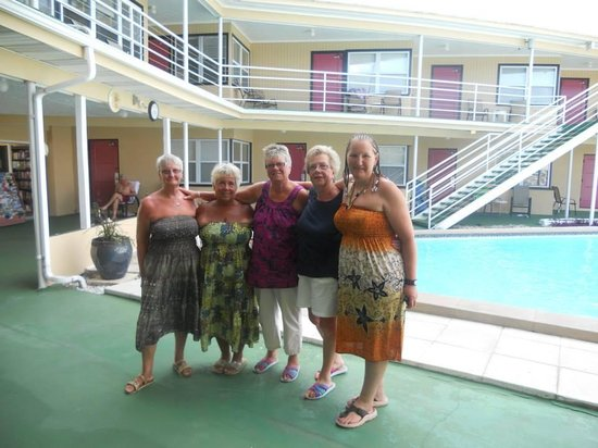 Ebb Tide Waterfront Resort: Us girls ready for a get together