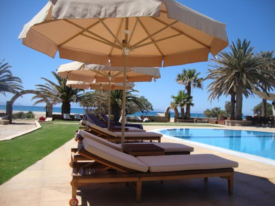 Finikas Hotel: The pool area at Finikas