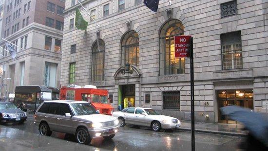Museum of American Finance: Exterier