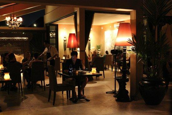 Sarong Restaurant: dining room