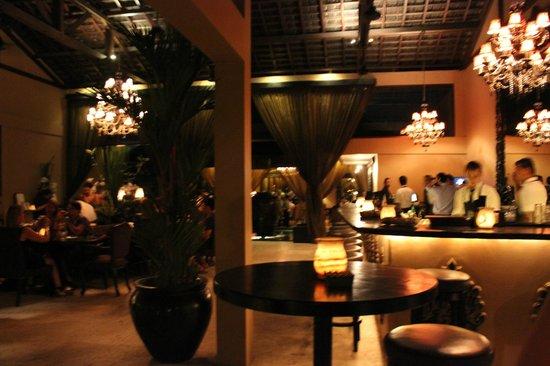 Sarong Restaurant: the bar