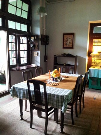 Silverton Estate Guest House: View of Dining room