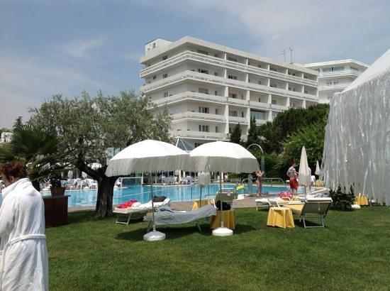 Hotel Terme Tritone Thermae & Spa: la bellissima piscina esterna