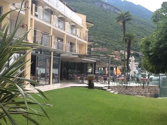 Hotel Val di Sogno: outdoorview of patio