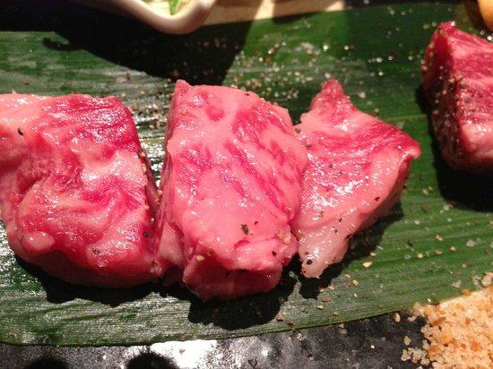 Kyo no Yakinikudokoro Hiro Sembon Sanjo Honten : And more beef