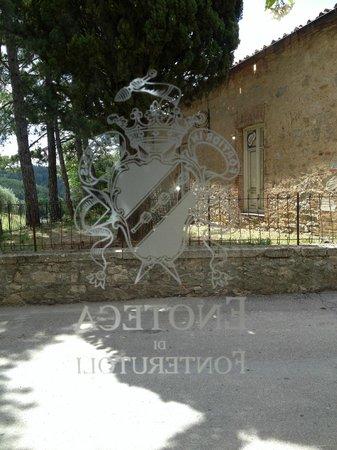 Castello di Fonterutoli: L'ingresso della Locanda