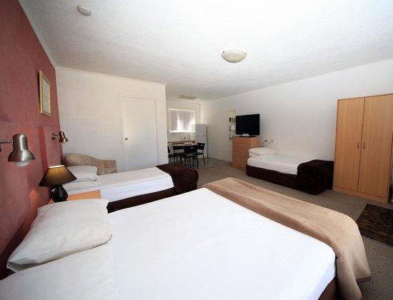 bella villa motor inn 2018 prices reviews forster. Black Bedroom Furniture Sets. Home Design Ideas