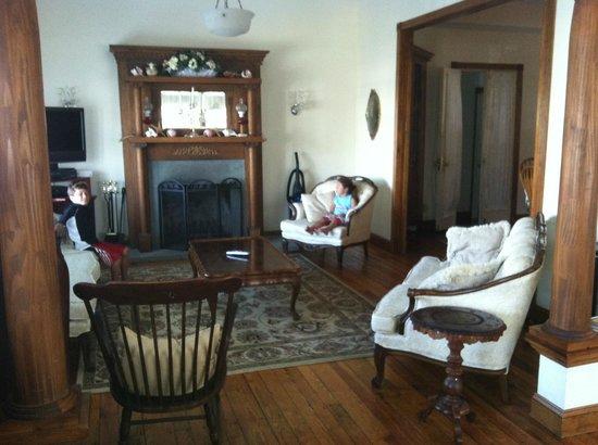 Hydrangea House : Living Room