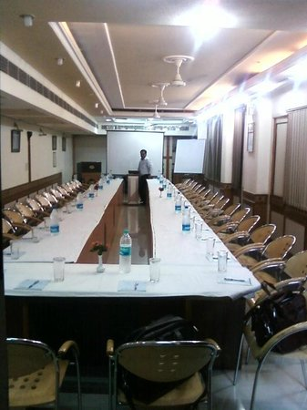 Amar Inn Hotel : Business Centre