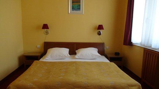 Cloister Inn Hotel: Room 404
