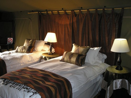 Chandelier Game Lodge & Ostrich Show Farm : Can't believe this is in the Karoo