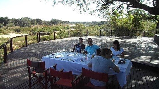 Lion Sands River Lodge : bush lunch