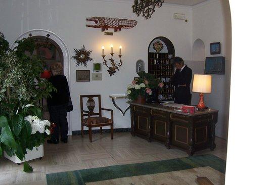 Quattro Fontane Hotel: The lobby