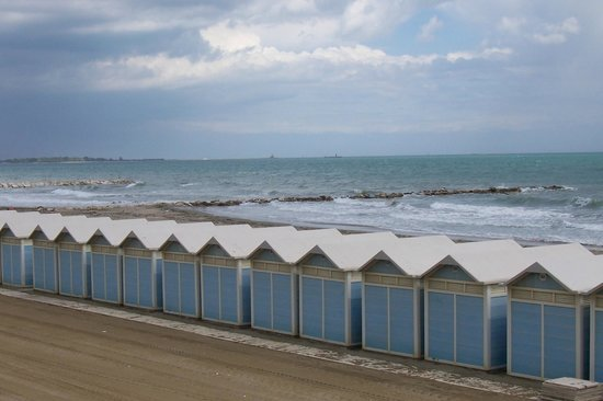 Quattro Fontane Hotel: another beach view