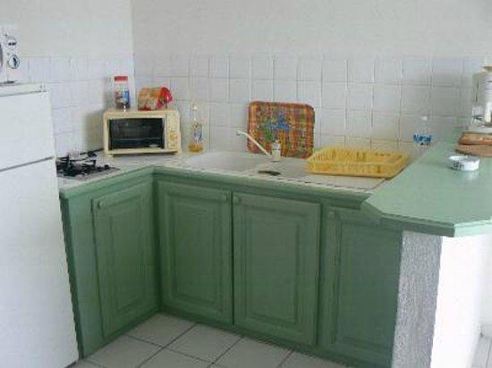 Residence le Zandoli: Le coin cuisine