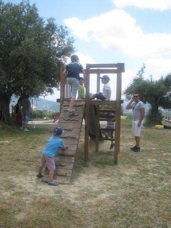 Azienda Agraria Ippogrifo : tutti a giocare